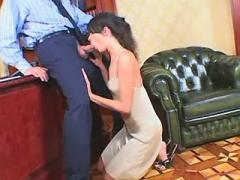 Hot secretary gets cumload on pussy after wild sex