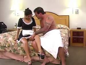 Chambermaid sucks hard cock and licked in bed